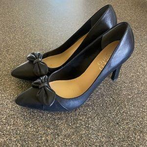 Franco Sarto Black Pointed Toe Pumps Bow Arabella